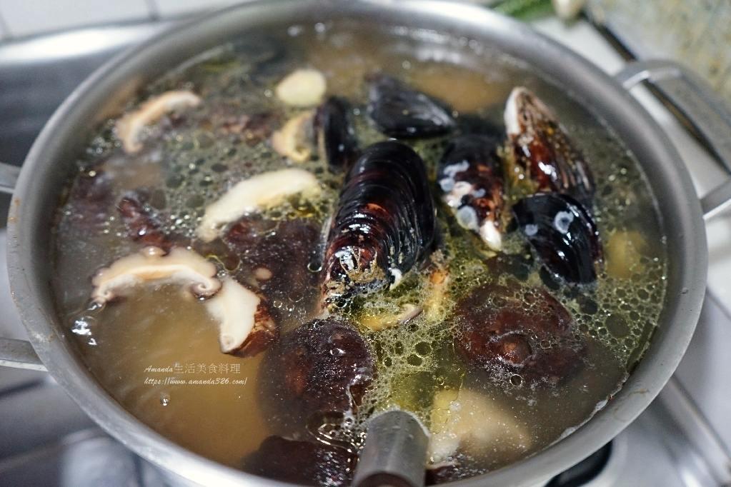 海鮮雞湯,淡菜雞湯,淡菜香菇雞湯,雞湯,香菇雞湯,鮮雞湯
