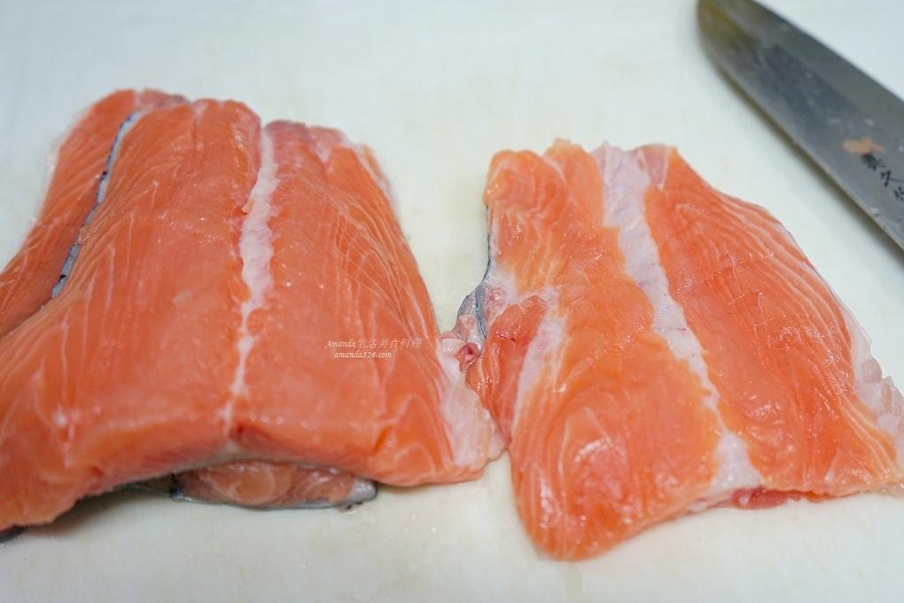 味增鮭魚湯,鮭魚味增湯,鮭魚味增豆腐湯,鮭魚尾,鮭魚尾巴,鮭魚尾巴料理,鮭魚尾料理,鮭魚尾處理,鮭魚骨熬湯,鮭魚骨頭熬湯