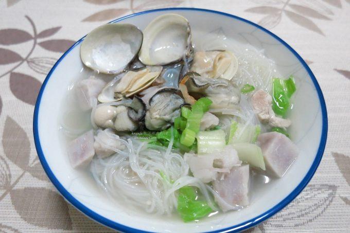 今日熱門文章:芋頭海鮮米粉湯-食材鮮甜不須多加調味