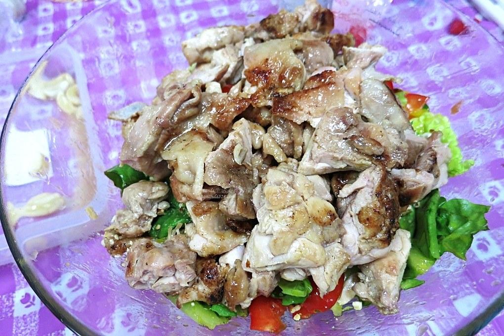 果汁,果醬,水果沙拉醬,沙拉,百香果雞肉,自製沙拉醬,醃漬,醬料,雞腿,雞腿沙拉 @Amanda生活美食料理