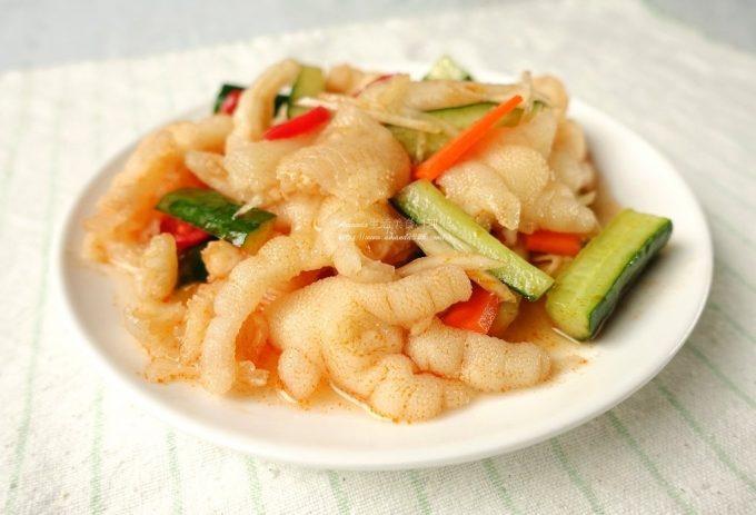 今日熱門文章:涼拌鴨掌-美味葷食小菜這麼做