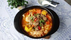 今日熱門文章:牛肉蔬菜香辣鍋-禦寒補血健康鍋