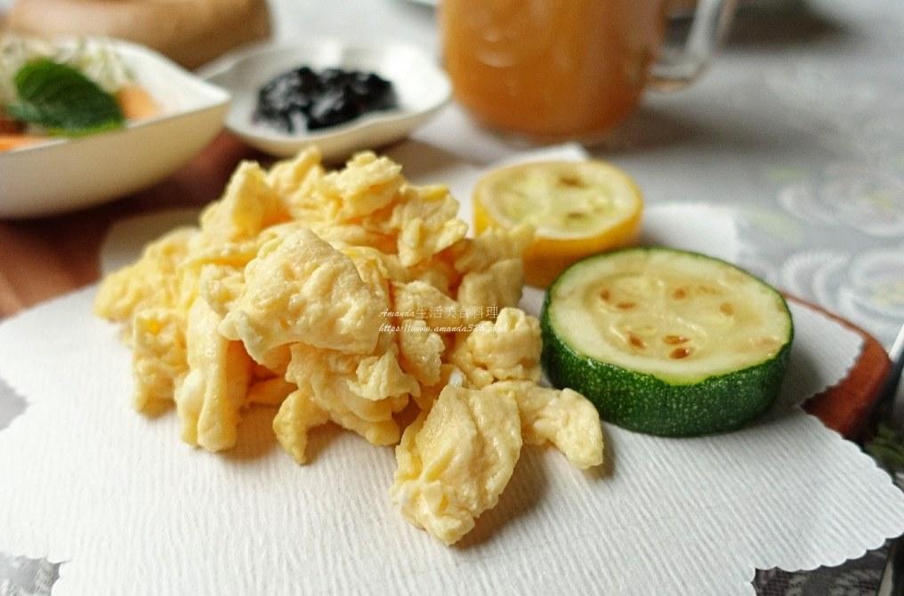 半熟炒蛋,嫩炒蛋,嫩蛋,早餐,滑嫩炒蛋,滑蛋,炒蛋,美式炒蛋,雞蛋 @Amanda生活美食料理