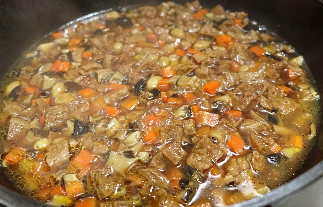 拌麵,白果,素燒醬,素肉醬,素食,素食燒醬,蔬食,香菇素醬,香菇醬