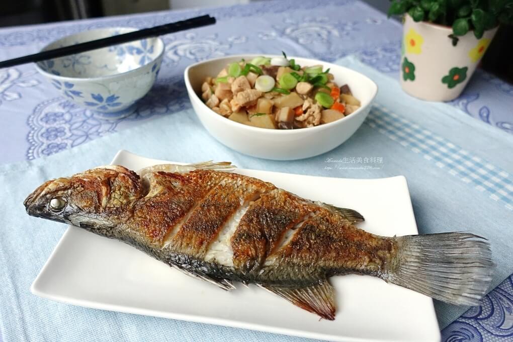 煎魚不沾鍋不掉魚皮-鑄鐵鍋、不銹鋼鍋煎魚技巧-影音教學