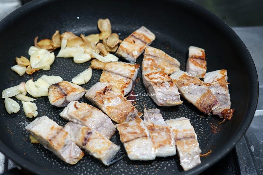 CAS,三杯,三杯海鮮,三杯魚,三杯鯖魚,優良農產,十分鐘上菜,台灣優良農產,薄鹽鯖魚料理,薄鹽鯖魚要洗嗎,鯖魚,鯖魚怎麼煮,鯖魚料理