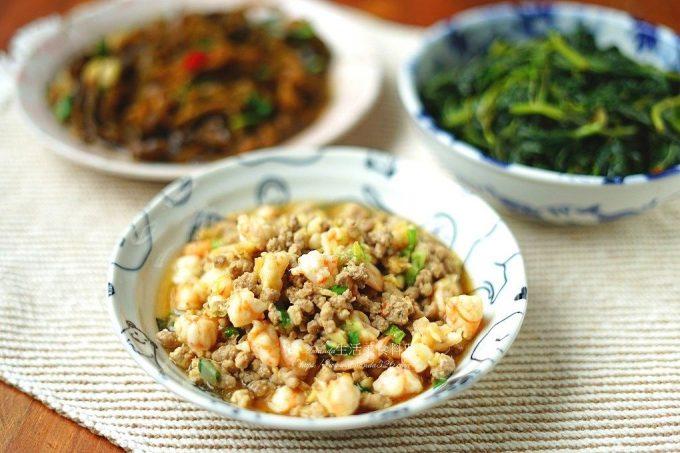 今日熱門文章:蒜香肉燥拌蝦鬆-鮮香美味下飯