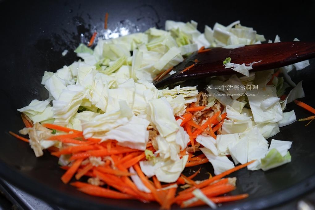 陪媽媽吃素-山藥蔬菜素炒麵