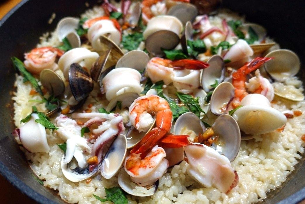 一鍋煮,三杯,三杯海鮮,台式海鮮燉飯,台式燉飯,海鮮,海鮮炊飯,海鮮燉飯,海鮮飯,燉飯,鮮蝦 @Amanda生活美食料理