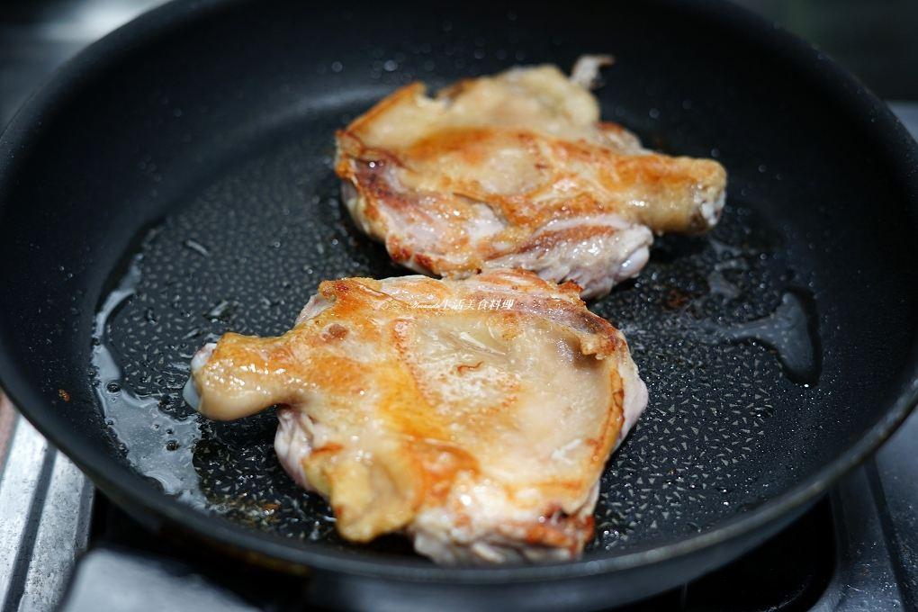 不油炸,不油炸椒麻雞,乾煎雞腿肉,台式椒麻雞,料理直播,椒麻雞,椒麻雞 食譜,泰式,酸辣椒麻,香酥雞腿