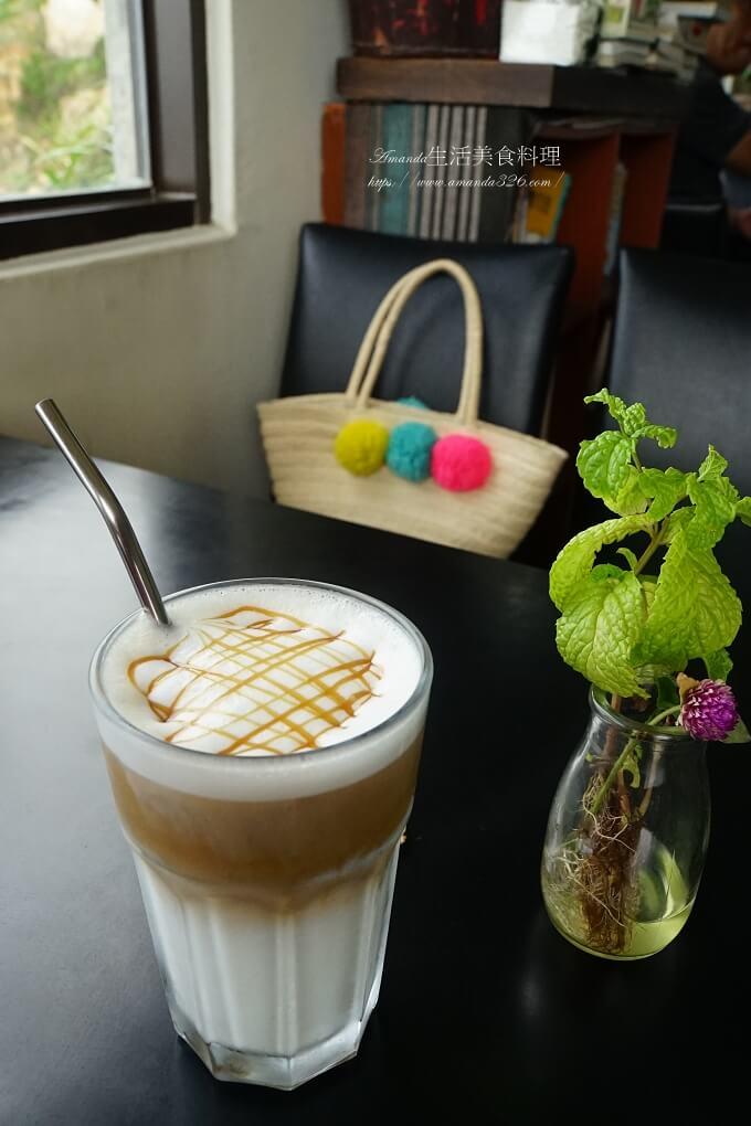 12據點,IG打卡點,刺鳥咖啡,刺鳥咖啡書店,刺鳥咖啡民宿,南竿咖啡書店,南竿坑道咖啡,咖啡書店,坑道咖啡書店,食尚玩家,馬祖