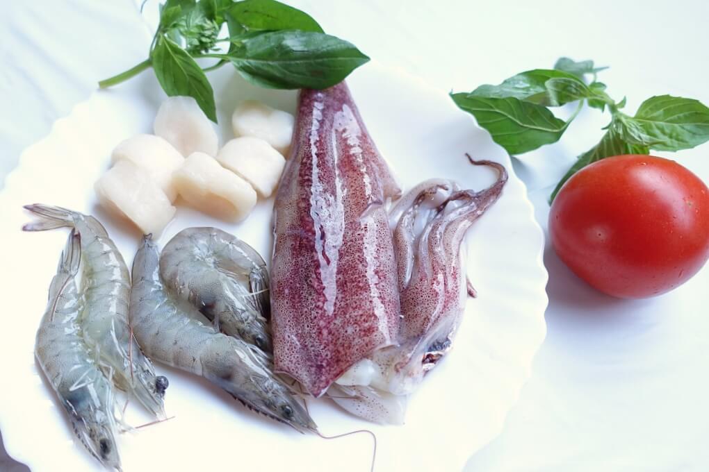 costco,一鍋煮,中卷,好市多,海鮮,海鮮燉飯,海鮮飯,燉飯,番茄海鮮燉飯,番茄飯,蕃茄海鮮燉飯,透抽,食譜,鮮蝦