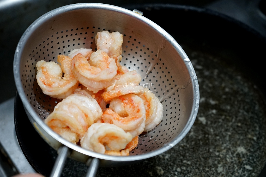 十分鐘上菜,十分鐘料理,水果,海鮮,涼拌,蝦球,鳳梨,鳳梨蝦球,鳳梨蝦球 食譜,鳳梨蝦球做法,鳳梨蝦球擺盤,鳳梨蝦球的做法