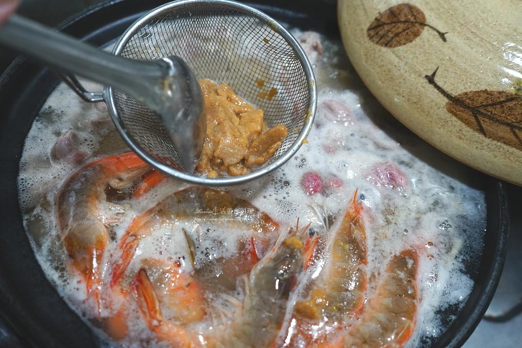 味噌鍋,味噌鱸魚湯,海鮮鍋,湯鍋,鮮蝦,鱸魚,鱸魚味增湯,鱸魚料理