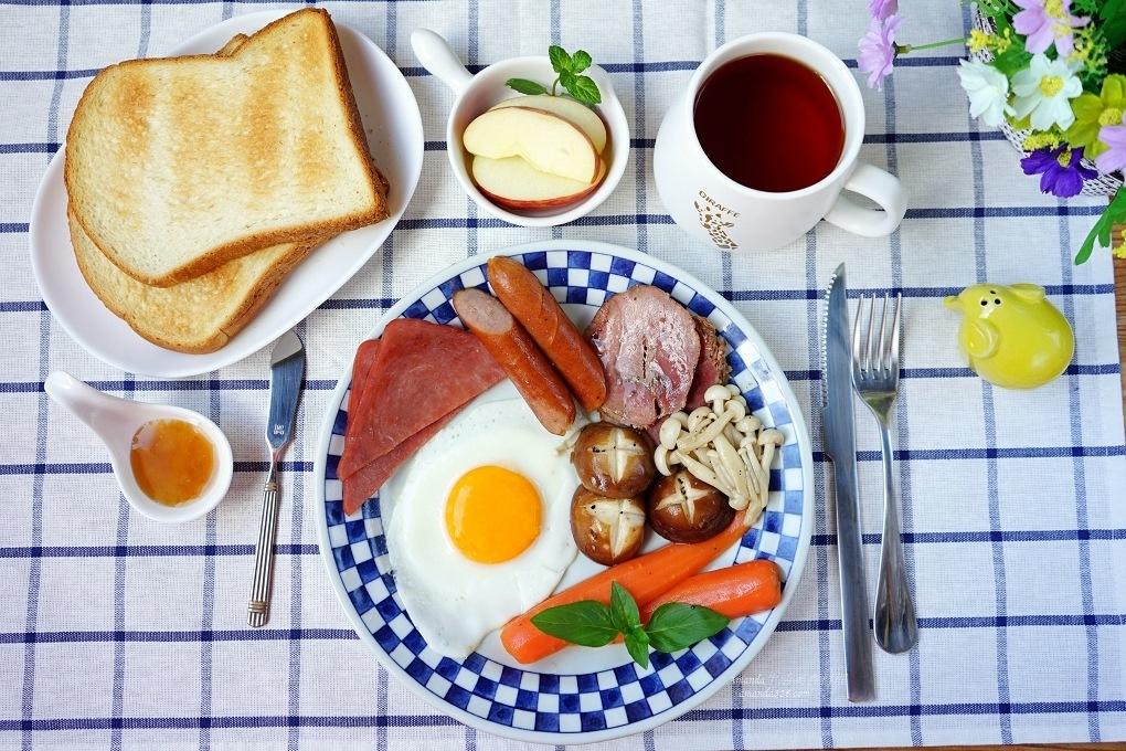 在家吃早午餐 活菌豬肉品、太陽蛋