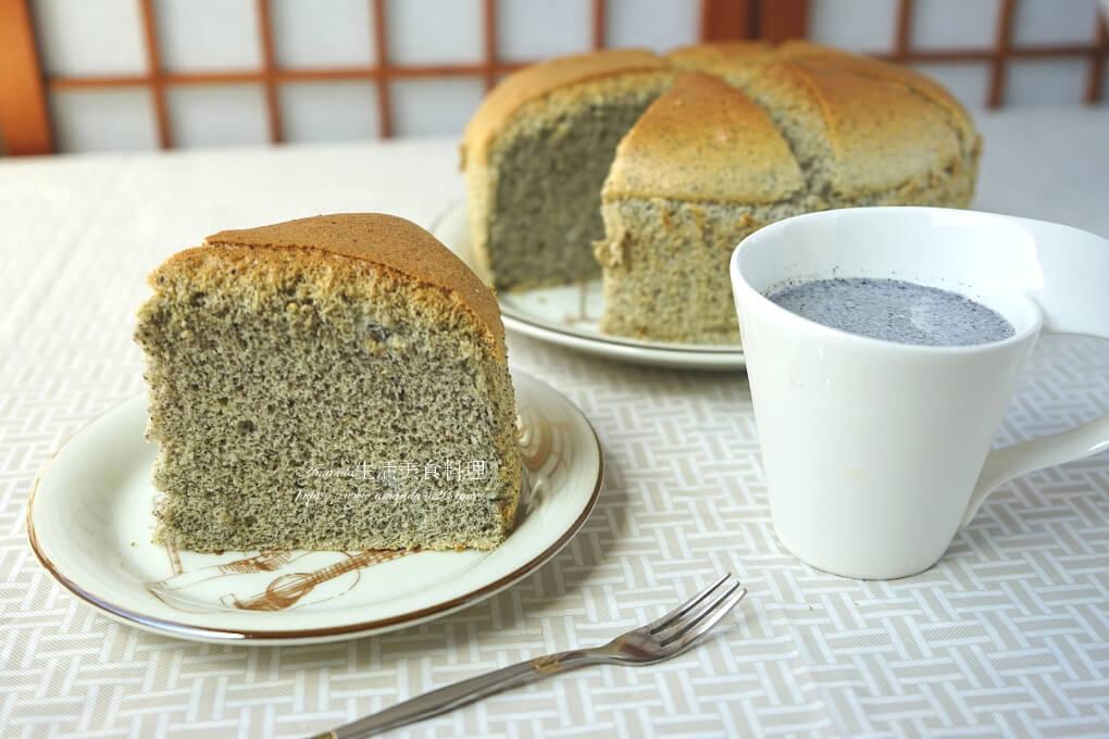 戚風蛋糕,芝麻 蛋糕,芝麻戚風,芝麻戚風蛋糕,芝麻戚風蛋糕食譜,芝麻海綿蛋糕,芝麻蛋糕,芝麻蛋糕做法,芝麻蛋糕製作,芝麻蛋糕食譜,蛋糕,黑芝麻 蛋糕,黑芝麻戚風,黑芝麻戚風蛋糕,黑芝麻蛋糕,黑芝麻蛋糕食譜 @Amanda生活美食料理