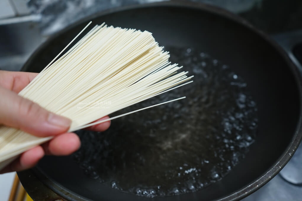 乾拌麵線,十分鐘上菜,十分鐘料理,手工麵線,羊肉湯麵線,羊肉爐麵線,麻油雞麵線,麻油麵線
