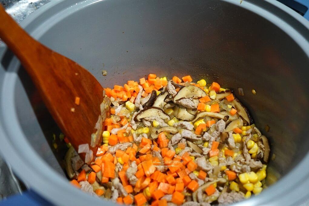 neoflam 低壓悶煮鍋,neoflam低壓悶煮鍋使用方法,neoflam低壓悶煮鍋評價,一鍋煮,不沾陶瓷,低壓悶煮鍋,低壓悶煮鍋用法,炊飯,鍋具
