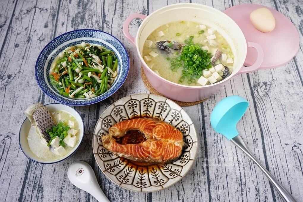 蒜炒沙茶空心菜菌菇、十分鐘上菜