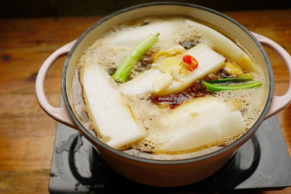 一鍋煮,五花滷肉,日本鑄鐵鍋,滷五花肉,滷肉,滷蘿蔔,琺瑯鑄鐵鍋,蘿蔔滷肉,鑄鐵鍋 滷肉,鑄鐵鍋料理,鑄鐵鍋滷肉