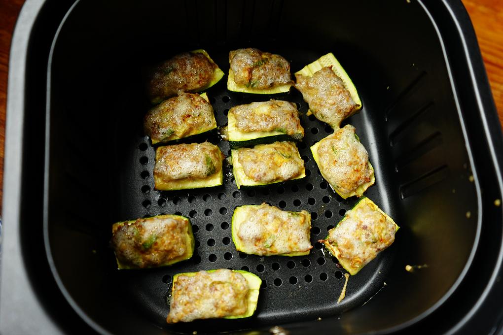 櫛瓜,櫛瓜料理,櫛瓜鑲肉,氣炸料理,氣炸食譜,絞肉料理