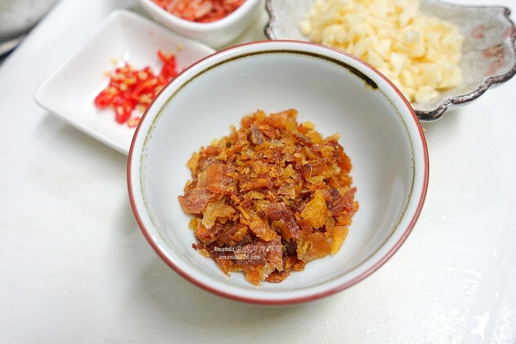 友善洋蔥,台灣洋蔥,屏東洋蔥,扁魚,扁魚酥,拌飯醬,拌麵醬,櫻花蝦,櫻花蝦洋蔥醬,洋蔥,洋蔥醬,洋蔥醬做法,海味洋蔥醬