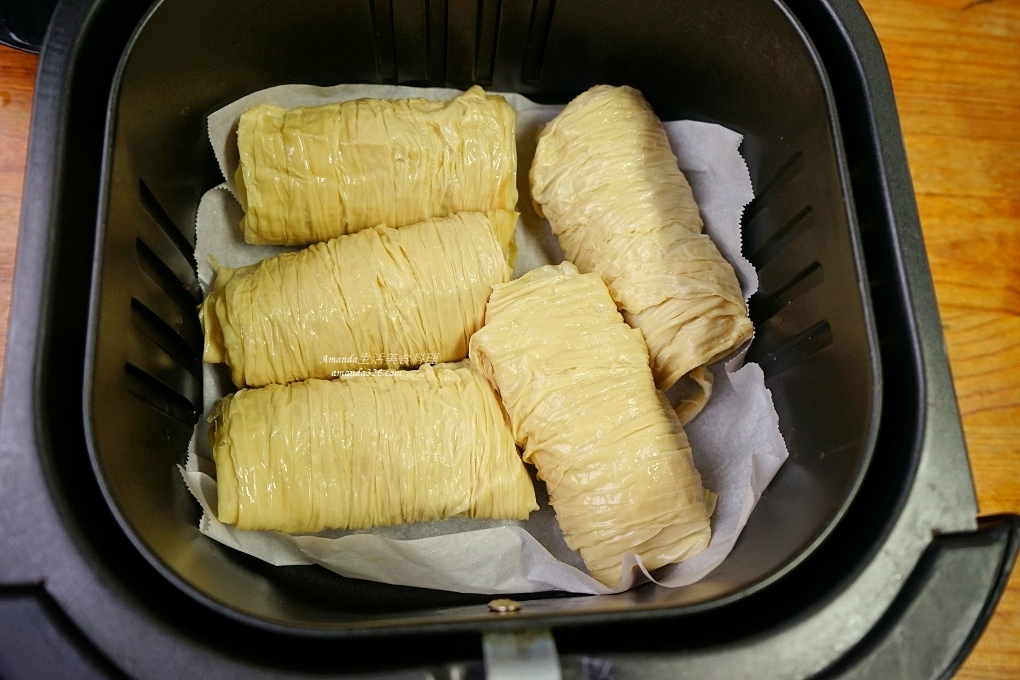 氣炸料理,氣炸鍋,氣炸食譜,無油煙,生豆皮,肉捲,豆皮,香酥豆皮