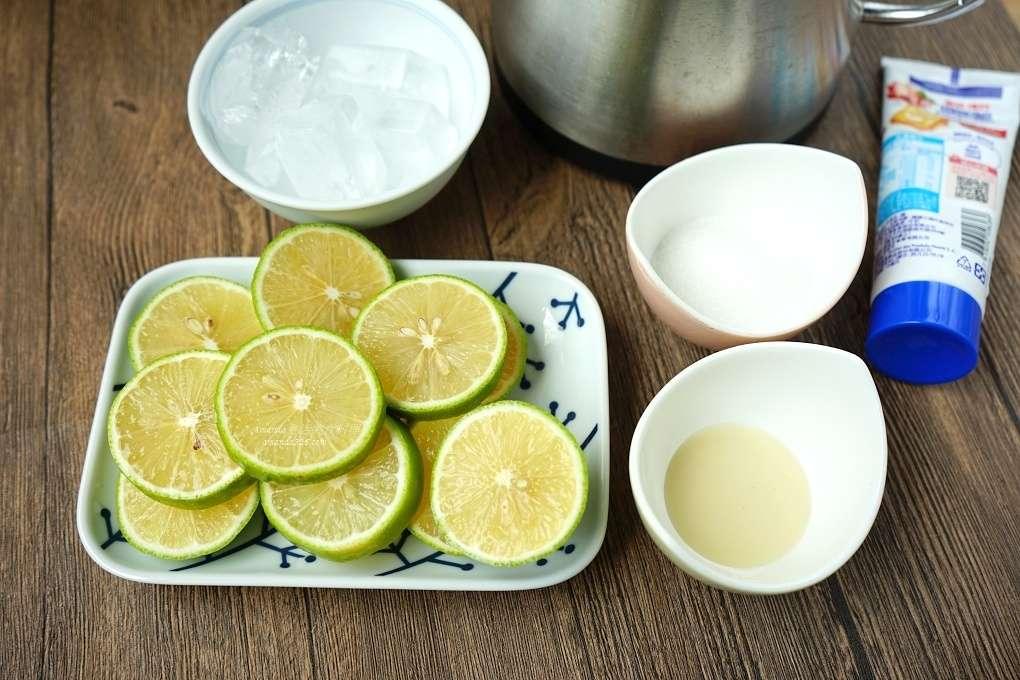 佳興檸檬汁,佳興檸檬汁做法,佳興檸檬汁怎麼做,明新檸檬汁,明新檸檬汁做法,明新檸檬汁怎麼做,檸檬汁,檸檬汁做法,檸檬汁料理,檸檬汁製作,自製檸檬汁,花蓮檸檬汁