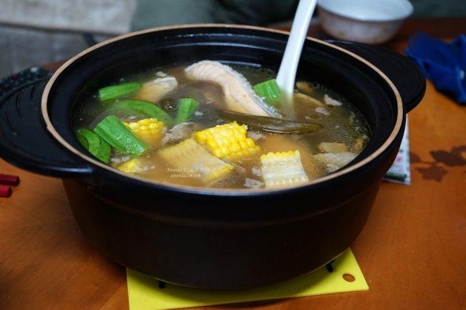 今日熱門文章:海陸雙鮮 鮭魚雞湯