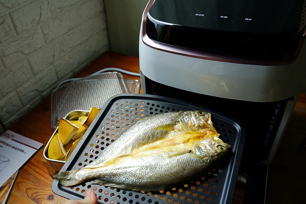 一夜干氣炸鍋,氣炸一夜干,氣炸料理,氣炸烤箱,氣炸烤箱料理,氣炸食譜,鍋寶氣炸烤箱,黃魚一夜干