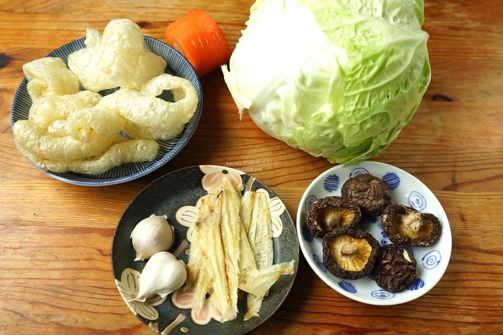 乾豬皮處理,台灣菜,台菜,大白菜,大白菜料理,扁魚白菜滷,扁魚酥,料理影片,料理影音,滷白菜,爆皮滷白菜,白菜滷,豬皮滷白菜