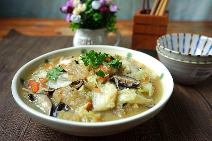 今日熱門文章:古早味白菜滷 家常必備台菜精典 影音