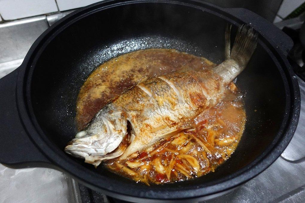 全炭鍋,紅燒魚,醬油燒魚,金目鱸,鱸魚