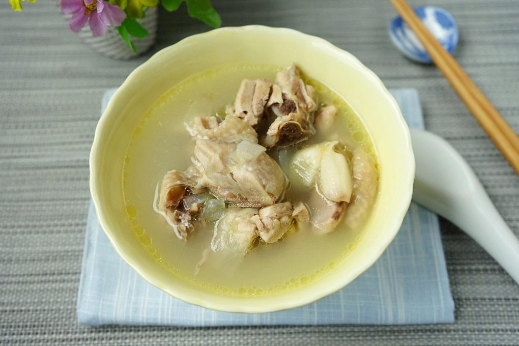 洋蔥蒜頭養生雞湯