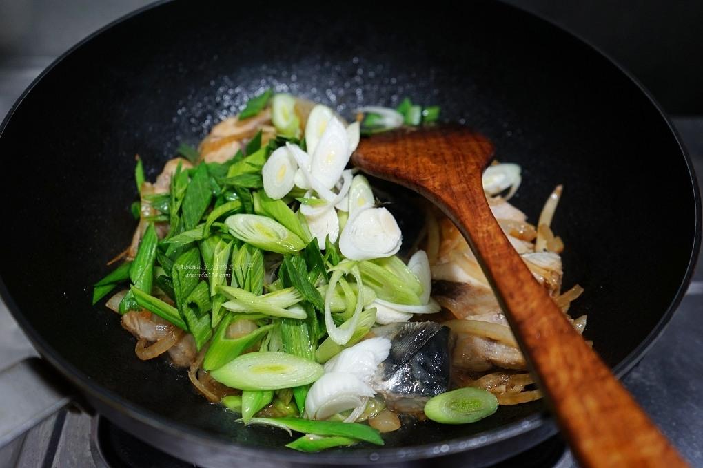 一夜干,十分鐘上菜,十分鐘料理,蒜苗鯖魚,薄鹽鯖魚,醬炒鯖魚,鯖魚,鯖魚一夜干,鯖魚炒蒜苗