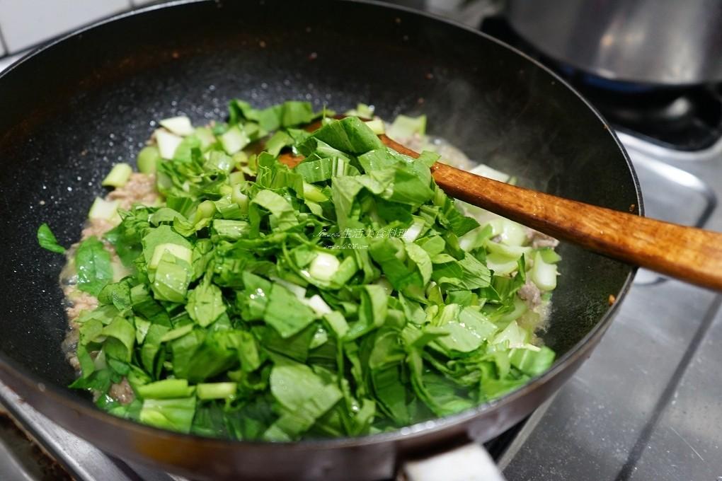 油菜炒肉末,絞肉料理,葉菜炒肉末,蔬菜料理,蔬菜肉料理,青江炒肉末,青江菜料理